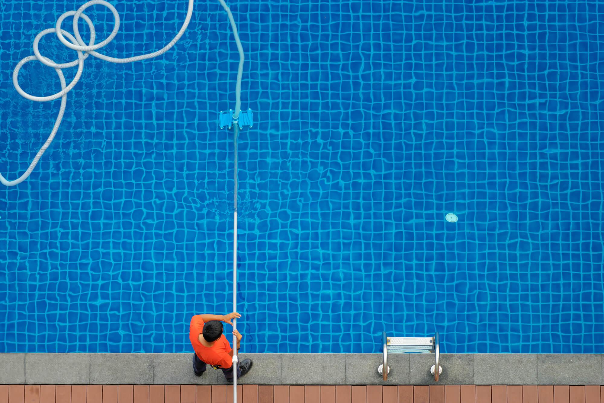Aspirador de piscina qual a vantagem de utilizar for Aspirador para piscina